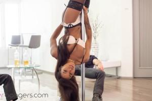 VR Porn World – Pole Dancer – Nadia Jay – Inverted Pole Dancer